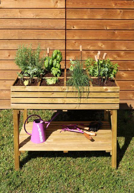 KÜB - Plantekasse på ben med hylde